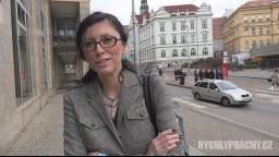 Czech Streets / Rychlý prachy 92 - sekretářka Veronika