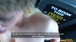 FakeTaxi - Amber Jayne mu ho vykouřila v autě