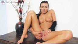 3D porno - masturbující česká brunetka Vanessa Decker - VR porno