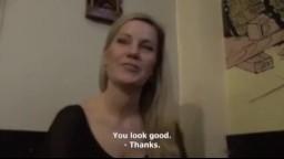 Rychlý prachy - opilá mamina ošukaná na toaletách