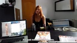 CzechSuperModels - mladá zrzka Linda Sweet ho podrží frajerovi v modelinkové agentuře
