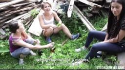 CzechCouples 28 - dvě kámošky popíjející v parku přijmou sexuální výzvu