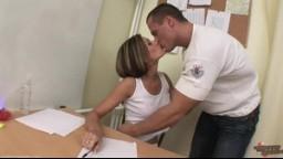 AmateurSexTeens - zdravotní sestřička Veronika uspokjí nemocného pacienta