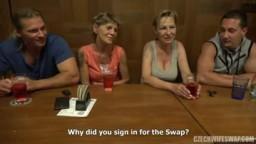 CzechWifeSwap 10 - dvě zkušení mature ženy si vymění své sexuální partnery ve výměně