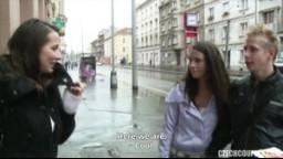 CzechCouples E11 - České páry z ulice - kozatá modelka šoustá na WC