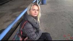 BitchStop E32 - blondýnka Linda dostala košem od přítele