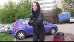 BitchStop E44 - Radka a její porouchané auto