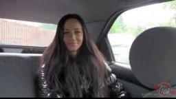 BitchStop E46 - Roztomilá brunetka Martina s nádhernýma kozama