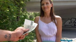 PublicAgent - česká sexy modelka Jenifer Jane podvedla přítele za rychlý prachy