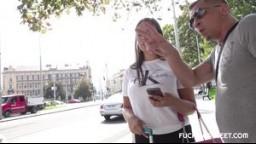 FuckingStreet / Šukání češek v ulicích -  dokonalý zásun do Sofie Lee