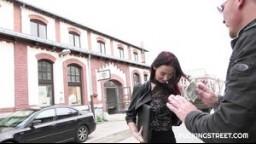FuckingStreet - sexy Slovenka Freya Dee místo pracovního pohovoru vydělává rychlý prachy