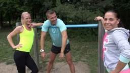 Czech Couples 29 - dívka cvičící venkovní fitness miluje peníze