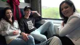Czech Couples 26 - sex ve čtyřech českých teenagerů ve vlaku