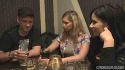 Czech Couples 25 - Alkohol,sex, prachy a výměna přítelkyň v restauraci