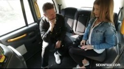 SexInTaxi E16 - česká ďáblice Sara Kay souloží s taxikářem