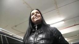Rychlý prachy aneb Public Agent v českých ulicích - brunetka má ráda sex / Victoria Blaze